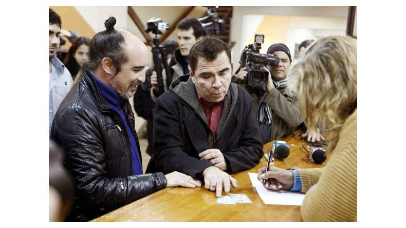 Matrimonio In Extremis : Uruguay celebran primer casamiento igualitario con boda