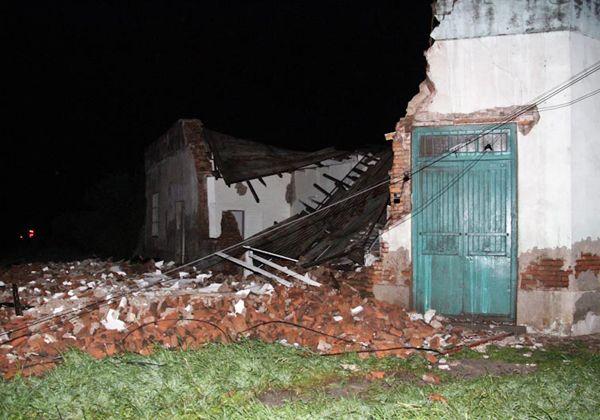 Un tornado causó destrucción en el pueblo de Río Tala, cerca de San Pedro
