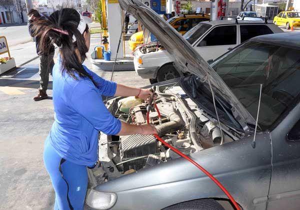 Prevén que no habrá gran aumento  en el precio del GNC para los autos