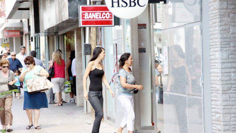 La bancaria acordó un aumento del 24,3% y levantó el paro
