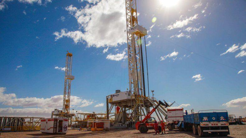 Continúa el paro de petroleros y peligra el abastecimiento de naftas