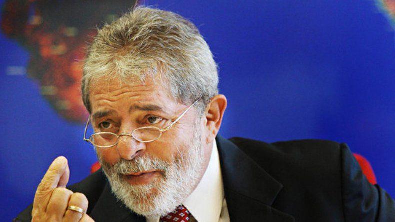 Lula anunció su candidatura presidencial en Brasil