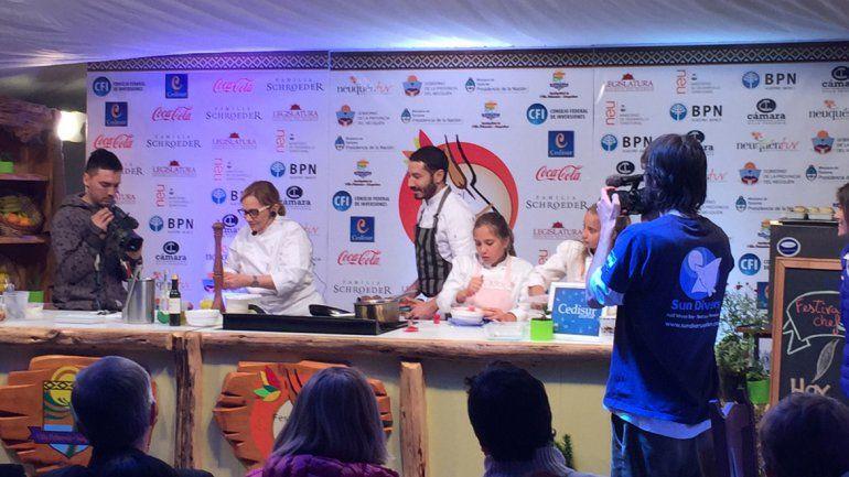 Dolli Irigoyen, durante una de sus clases magistrales de cocina.