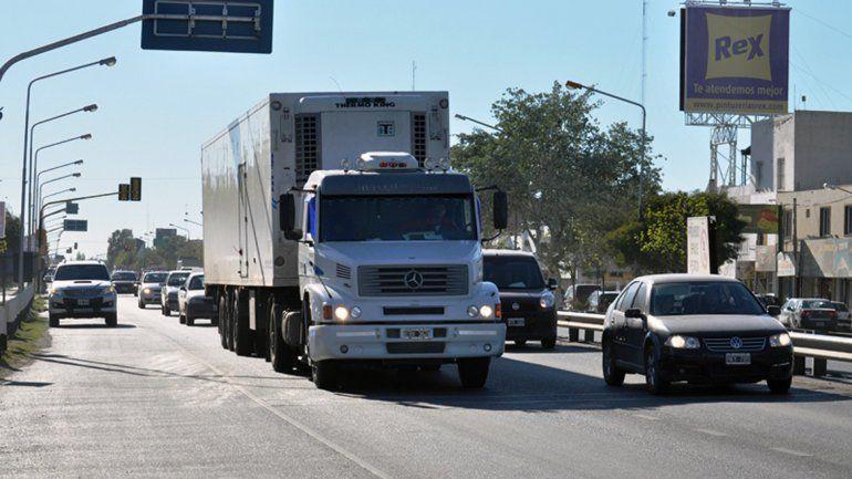 Restringen circulación de camiones en rutas nacionales por el fin de semana largo.