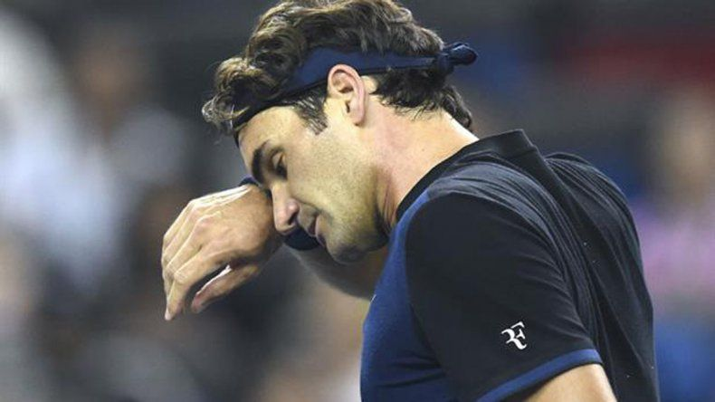 Una lesión deja a Federer un mes sin torneos