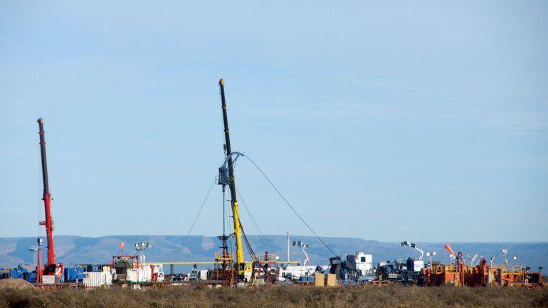 Superpozo. YPF anunció que su pozo más extenso y prolífico en Loma Campana produce 1630 barriles de crudo diarios y tiene 28 etapas de fractura.