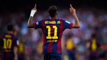 en las redes sociales, pique revelo el futuro de neymar