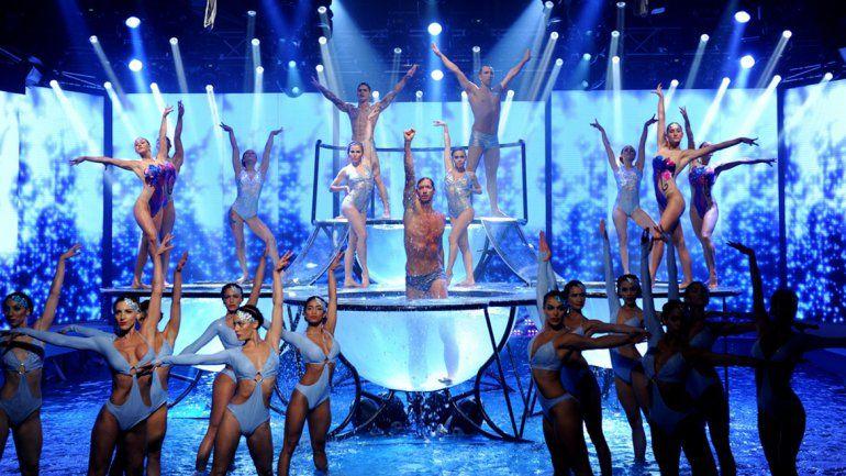 La coreografía fue interpretada por Facu Mazzei y casi treinta bailarines.