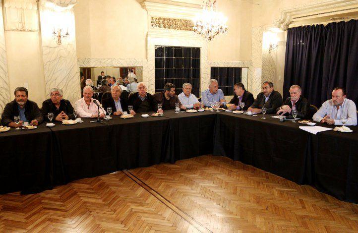 La reunión se realizó en el Hotel Castelar.