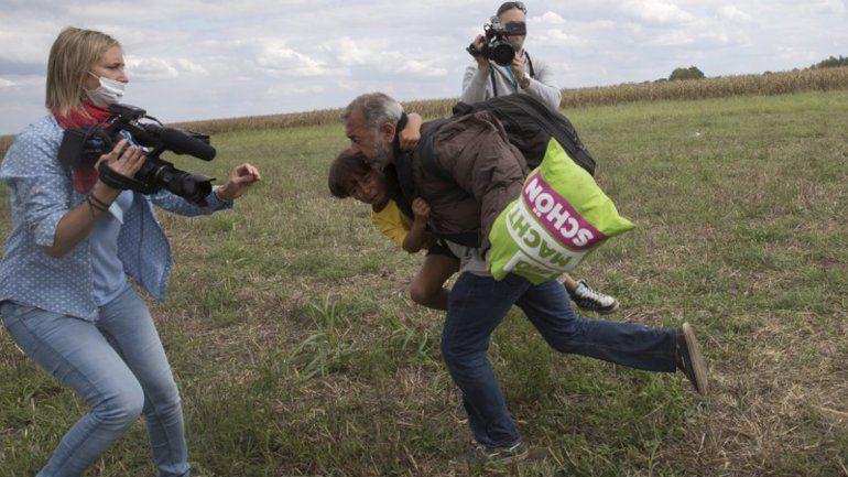 La periodista que agredió a inmigrantes busca trabajo en Rusia