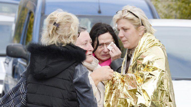Sobrevivientes y familiares de las víctimas