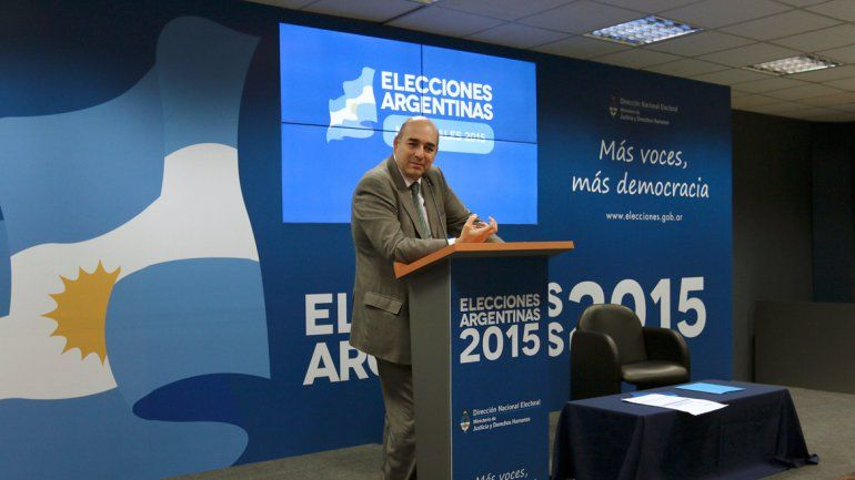 El director electoral Alejando Tullio