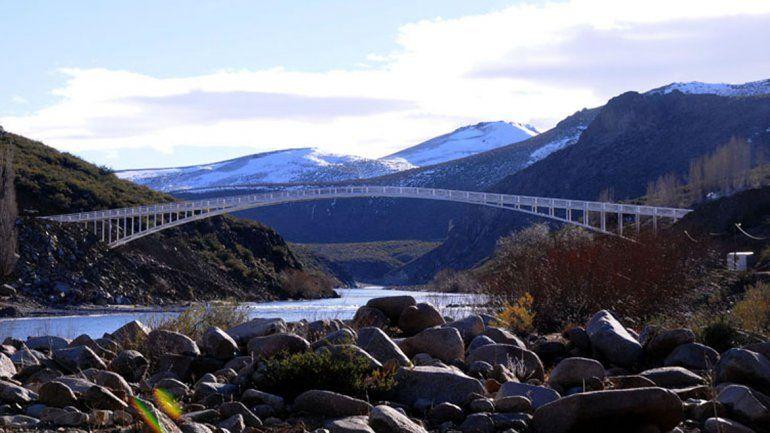 Cumple un año la pasarela de Butalón Norte