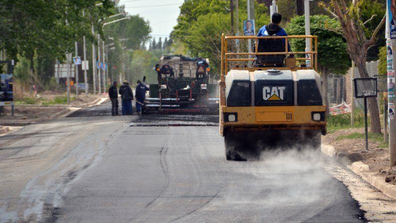 El martes podría estar finalizada la pavimentación de la calle Figueroa.