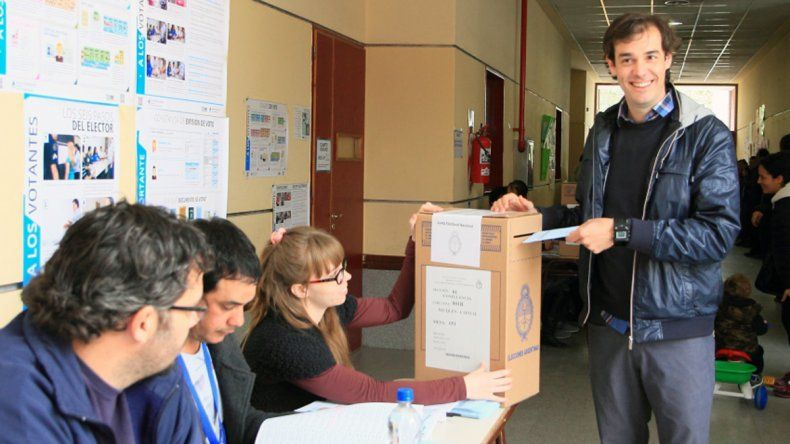 López llevó tranquilidad a los vecinos que vayan a votar