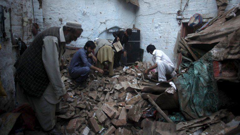 La cifra de víctimas por el terremoto en Asia supera los 350