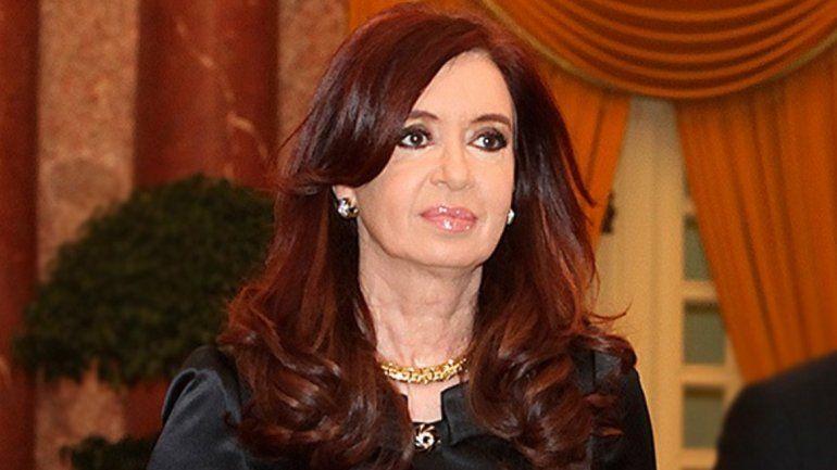 Tras las elecciones, Cristina reaparecerá mañana en un acto