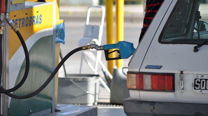 Es ley la rebaja en el precio de los combustibles para la Patagonia Norte