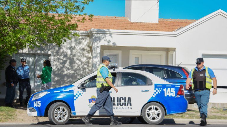 La Policía llegó a la vivienda tras el llamado desesperado de la víctima.