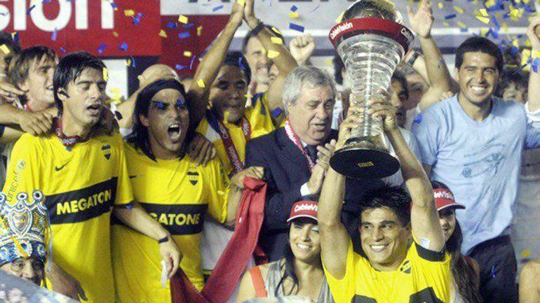 El festejo de algunos jugadores y el ex presidente de Boca.