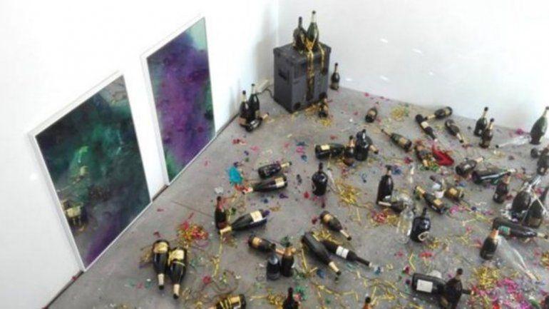 Se confundió y tiro una obra de arte a la basura