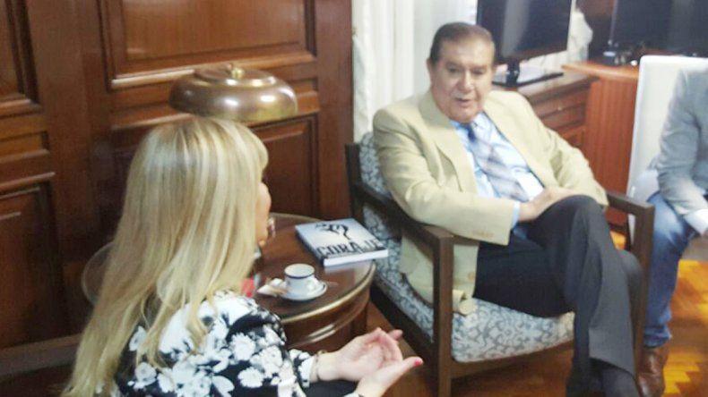 El legislador neuquino junto a la senadora entrante de Tierra del Fuego.