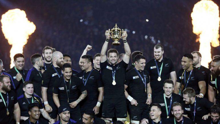 Un equipo de leyenda. Los All Blacks son los reyes de la ovalada.