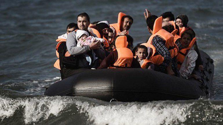 El barco naufragó a pocos metros de la costa de Samos