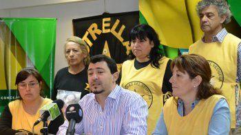 Sebastián Gamarra, junto a los integrantes de Estrellas Amarillas.