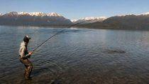 denuncian incremento de pesca furtiva en villa la angostura