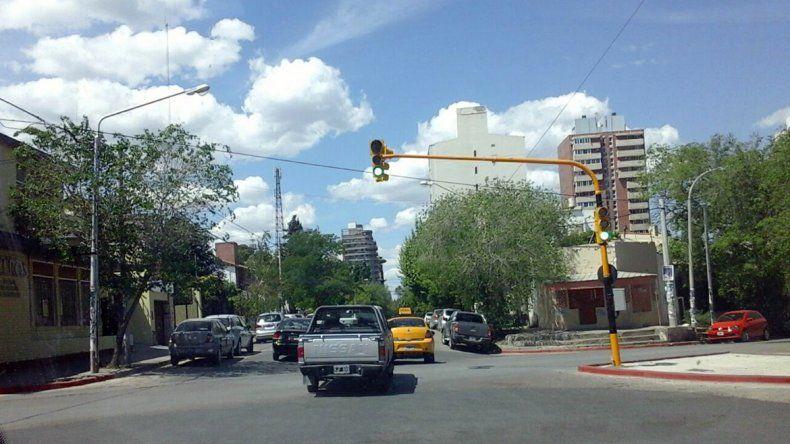 El nuevo semáforo comenzó a funcionar hoy.