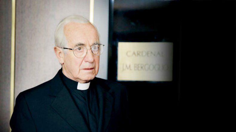 Sergio Hernández fue el elegido para mostrar al sacerdote en el momento en que se transformó en el Papa del fin del mundo.