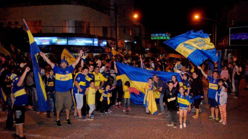 Hinchas de Boca salieron a las calles para festejar la Copa Argentina
