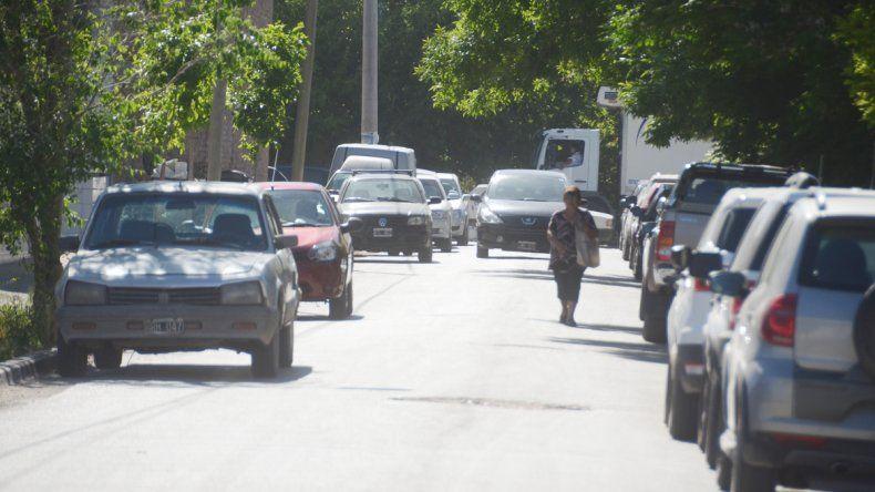 Lucero es una de las calles entrecortadas de la ciudad ubicada entre Combate de San Lorenzo y Arabarco. El movimiento es incesante por la cantidad de personas que acuden a una clínica.