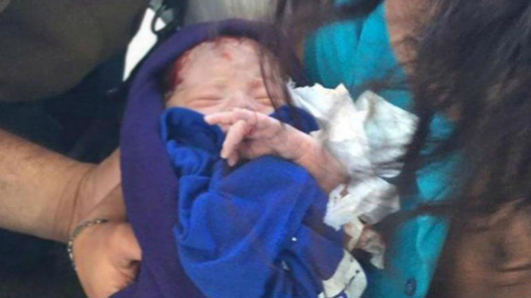 La beba del milagro: había sido abandonada entre la basura de un baño público. Ahora evoluciona favorablemente.