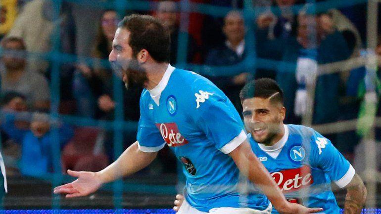 Higuaín marcó en la victoria de Napoli y Dybala