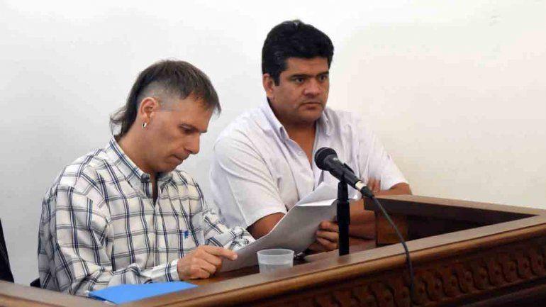 Luis Armando Matus junto al defensor oficialLeandro Seisdedos.
