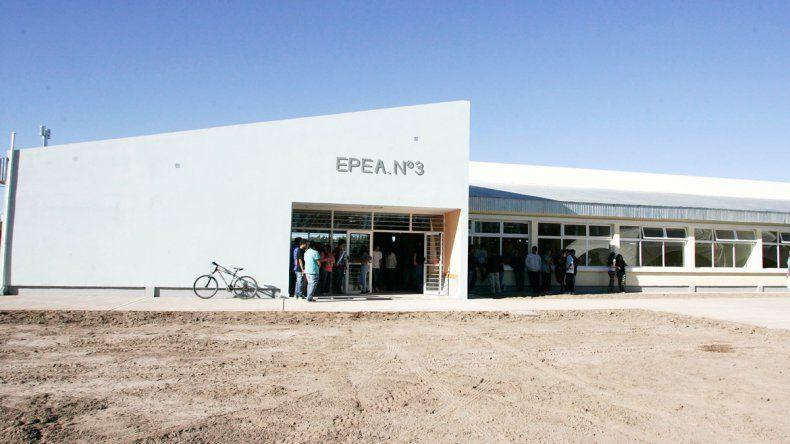 Los padres firman que fueron 67 los estudiantes intoxicados en la EPEA 3.