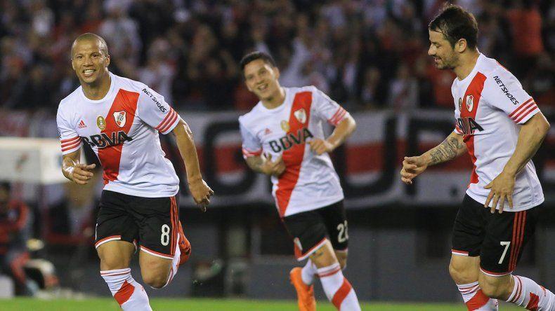 Carlitos Sánchez se rayó por jugar en México. River pierde mucho.
