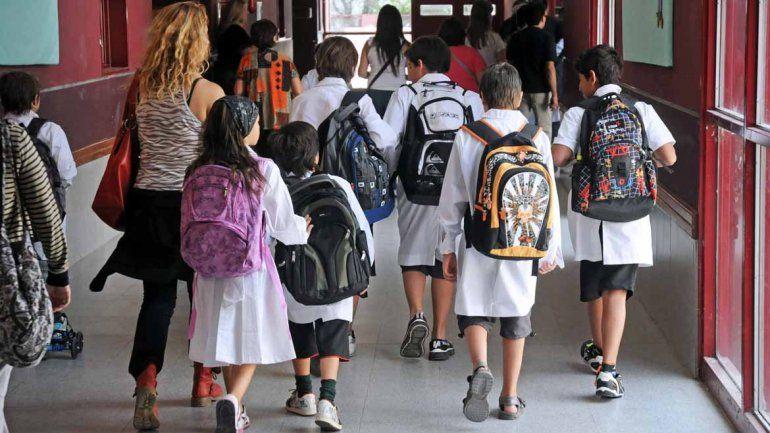 Desde el lunes, se podrán anotar a los chicos en jardines y primarias