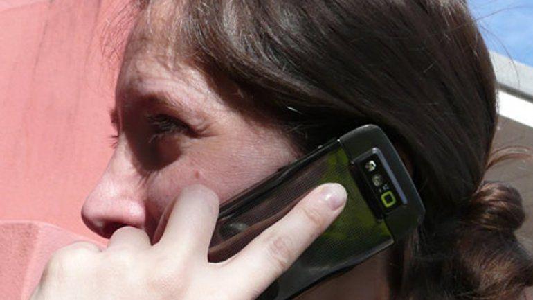 Los usuarios de celulares sufrirán otro golpe al bolsillo.