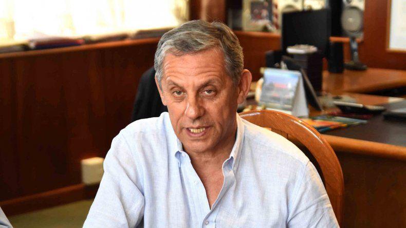 Quiroga cuestionó al gobierno provincial por vincularse a Nación.