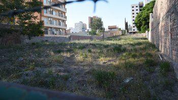 El área centro de la ciudad comprende 423 hectáreas, de las cuales 13 están ocupadas por baldíos que contienen terrenos donde nunca se construyó o casas que fueron demolidas.