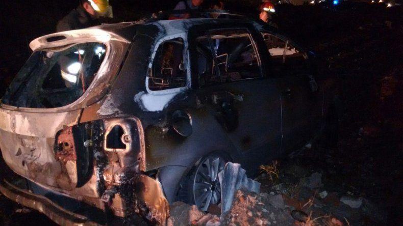 El auto quedó destruido.