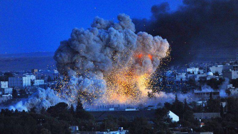 Una de las primeras imágenes del bombardeo francés en el este de Siria