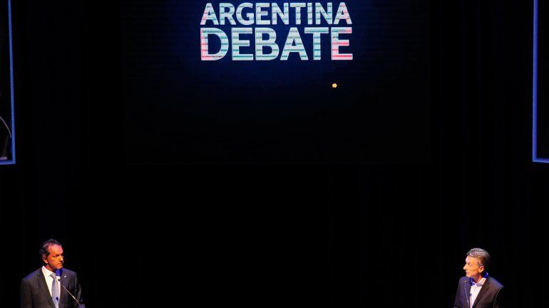 Mauricio Macri y Daniel Scioli debatieron en la Facultad de Derecho de la Universidad de Buenos Aires