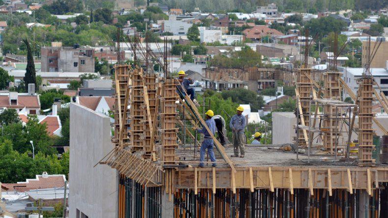 El nivel de actividad de la construcción impulsa la demanda de cemento.