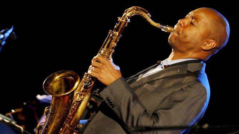 El intérprete de jazz estadounidense se encuentra de gira por el país.