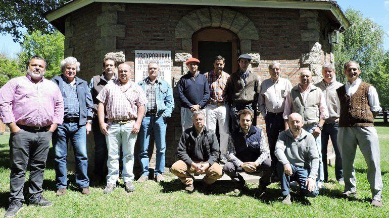 Los representantes de las distintas sociedades rurales de la Patagonia.
