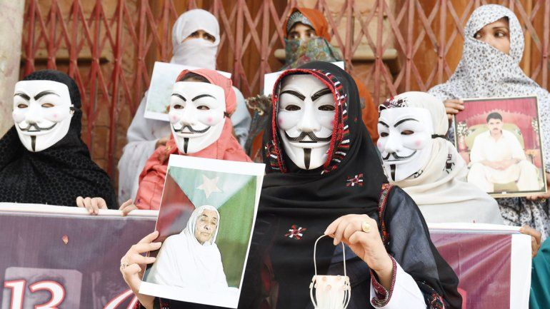 El accionar de Anonymous es cuestionado por los especialistas en seguridad informática porque impediría explorar pistas que den con los terroristas.